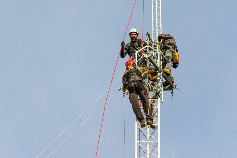 Insieme oltre i 100 metri per installare la torre anemometrica